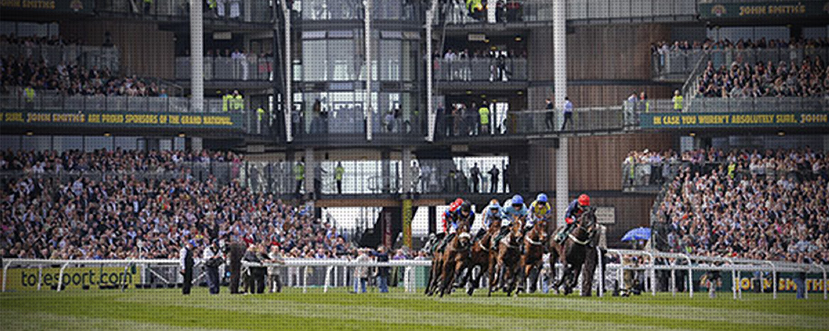 <strong>Grand National</strong><br>Aintree, UK
